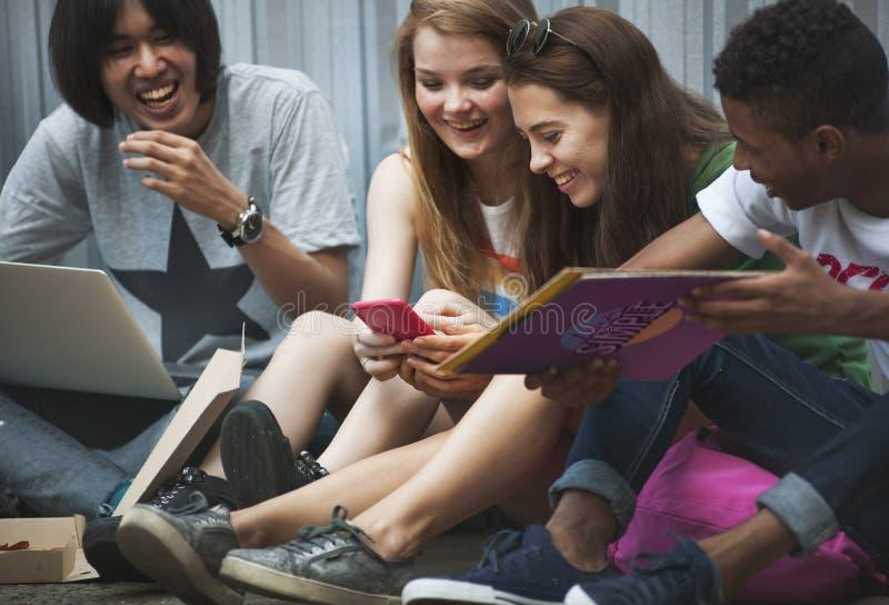 Concetto della cultura della gioventù di attività di unità di amicizia della gente fotografie stock libere da diritti