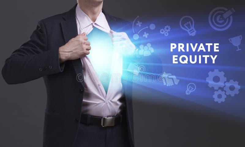 Concetto di affari, di tecnologia, di Internet e della rete Il giovane uomo d'affari mostra la parola: Equità privata immagini stock