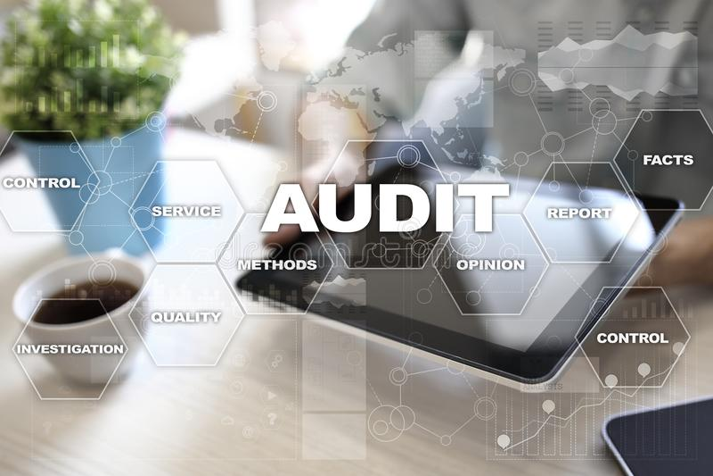 Concetto di affari di verifica auditor conformità Tecnologia dello schermo virtuale immagine stock libera da diritti