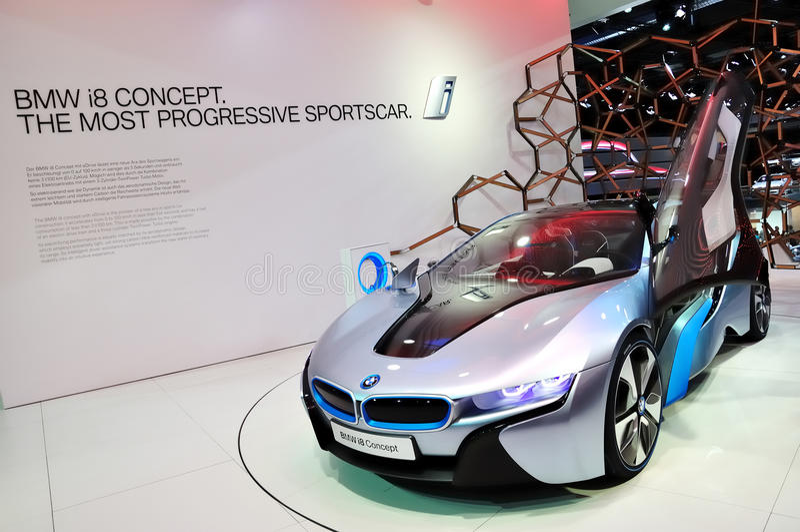 Concetto di BMW i8 su IAA Francoforte 2011 immagini stock
