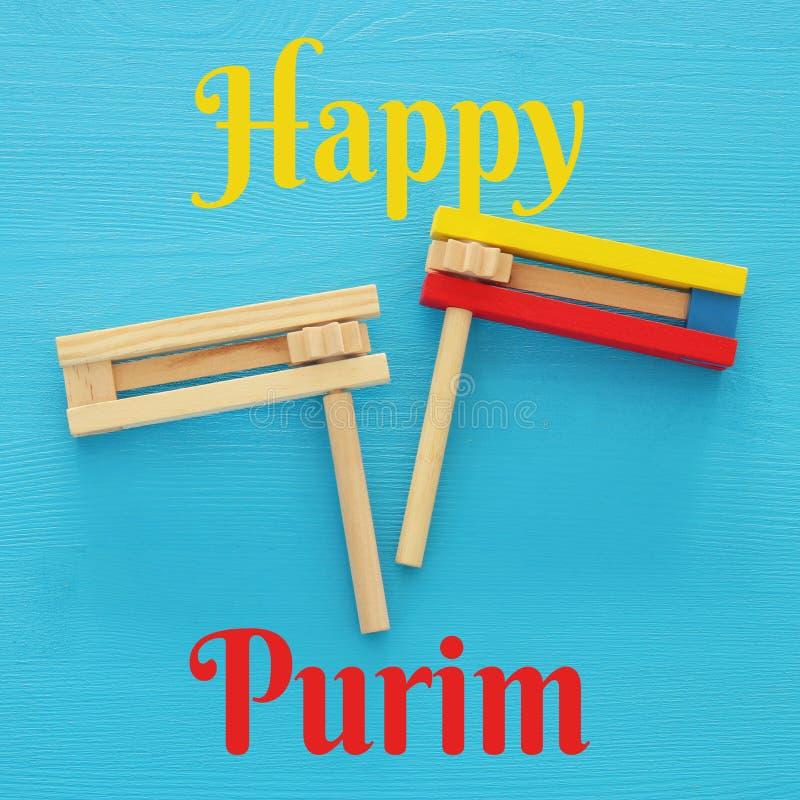 Concetto di celebrazione di Purim & x28; holiday& ebreo x29 di carnevale; Vista superiore del giocattolo tradizionale del creator fotografie stock