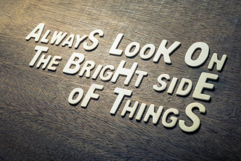 Concetto di citazione di successo sulla parete di legno fotografia stock libera da diritti