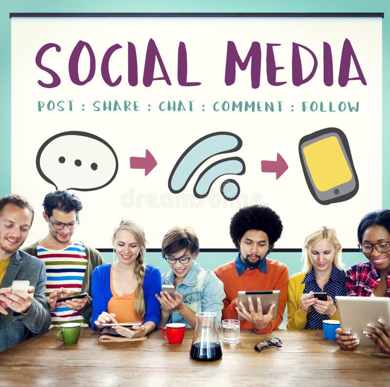 Concetto di collegamento del messaggio di Media Communication del sociale fotografia stock