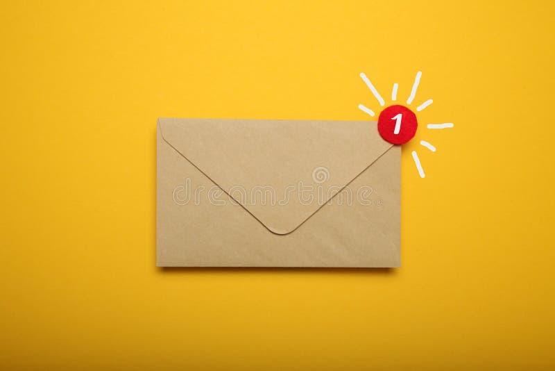 Concetto di comunicazione dell'indirizzo commerciale, corrispondenza del documento app fotografie stock libere da diritti