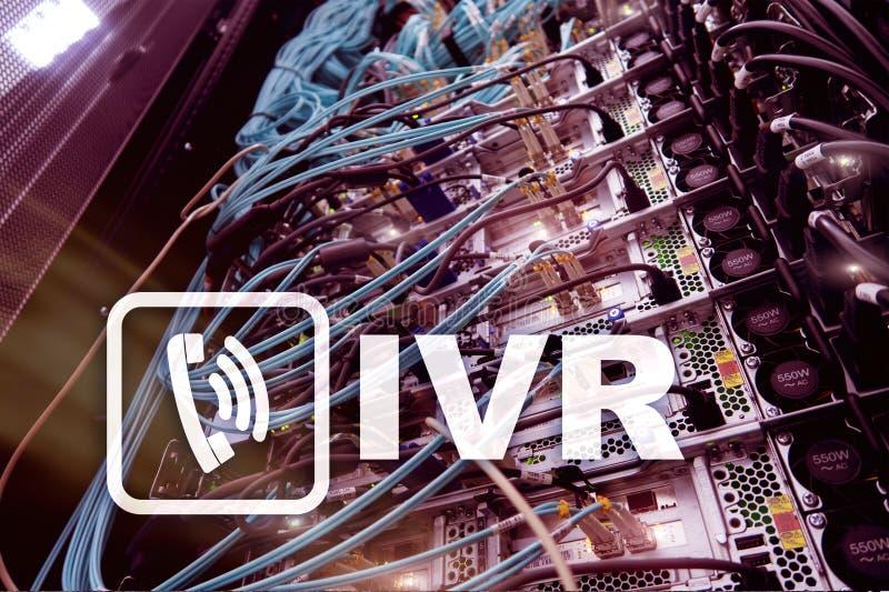 Concetto di comunicazione di risposta vocale interattiva di IVR Stanza del server immagini stock libere da diritti