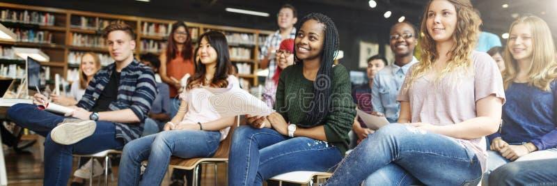 Concetto di conferenza di Study Classmate Classroom dello studente immagini stock libere da diritti