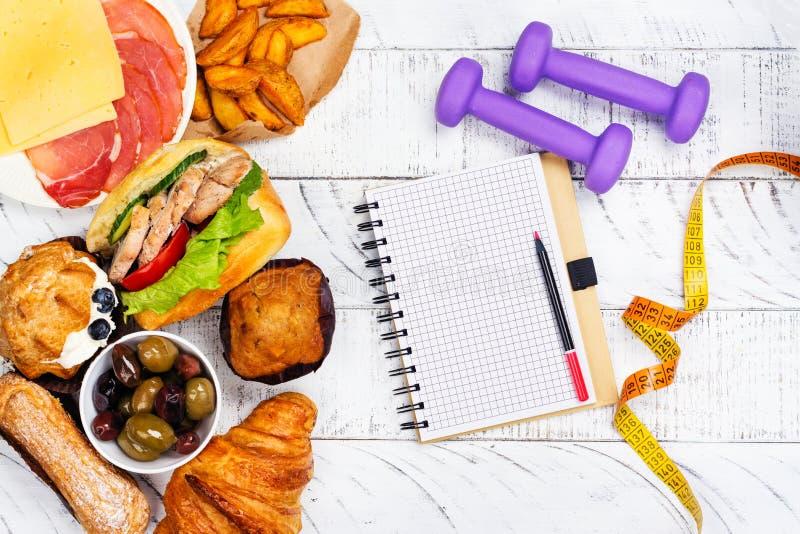 Concetto di disordine alimentare o di bulimia Tempo per la dieta immagine stock libera da diritti