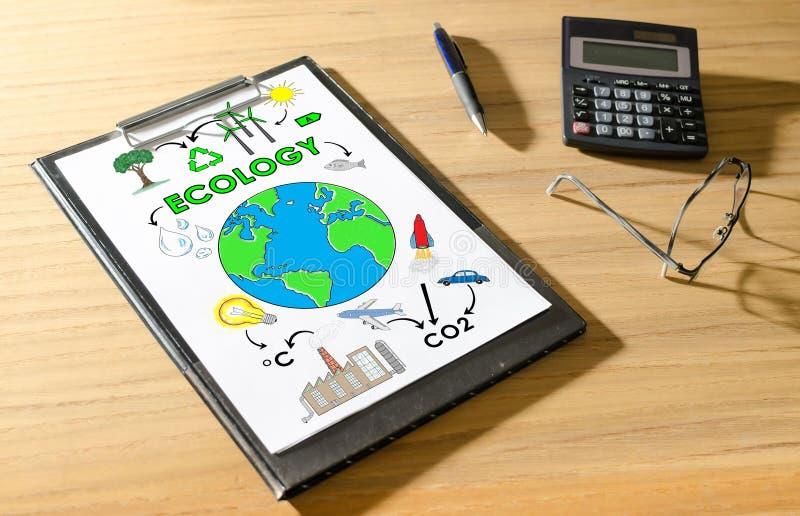 Concetto di ecologia su uno scrittorio immagini stock