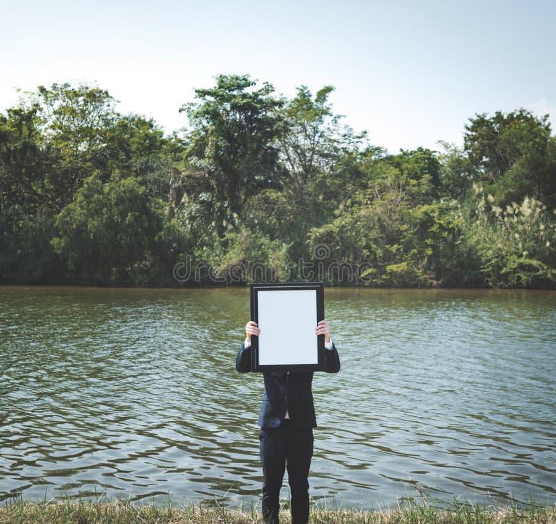 Concetto di Enterprise Environment Explore dell'uomo d'affari immagini stock libere da diritti
