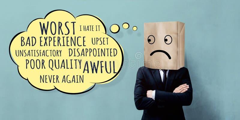 Concetto di esperienza del cliente Uomo d'affari infelice Client con triste fotografie stock