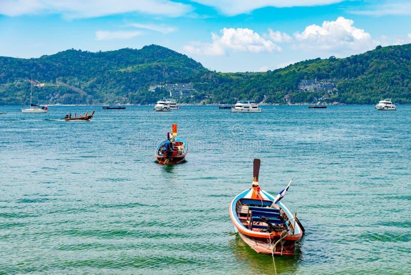 Concetto di estate, Phuket, Tailandia - gennaio 20,2018: variopinto della s immagine stock libera da diritti