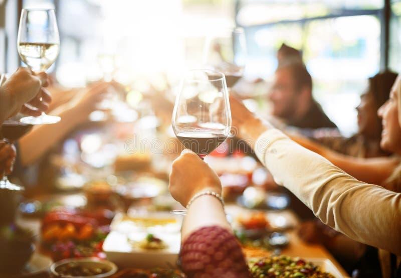 Concetto di felicità di acclamazioni di cibo di riunione d'affari immagine stock libera da diritti