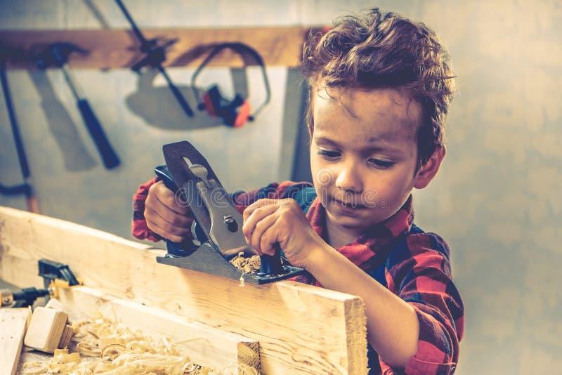 Concetto di giorno di padri del bambino, strumento del carpentiere, mestiere fotografia stock libera da diritti