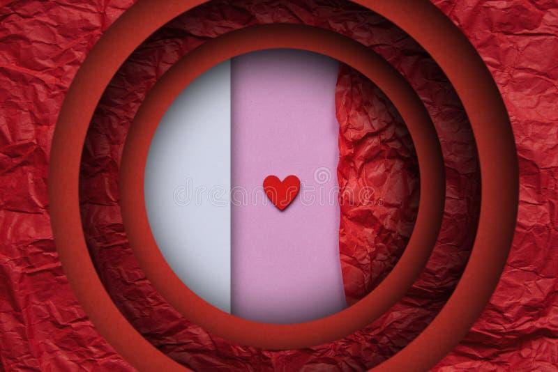 Concetto di Minimalistic per il San Valentino o un altro evento di amore Piccolo cuore rosso su un fondo rosa illustrazione vettoriale