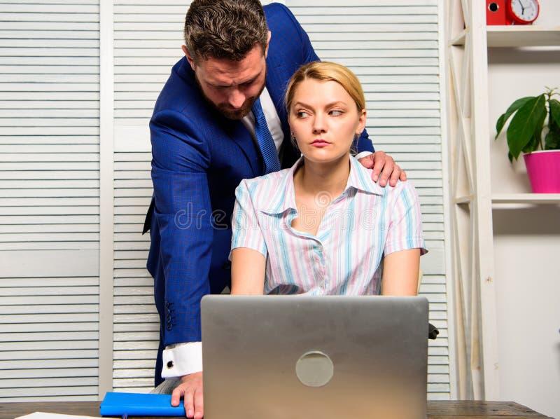 Concetto di molestie Interruttore di silenzio contro molestie Comportamento inaccettabile nel luogo di lavoro Relazioni vietate s fotografie stock