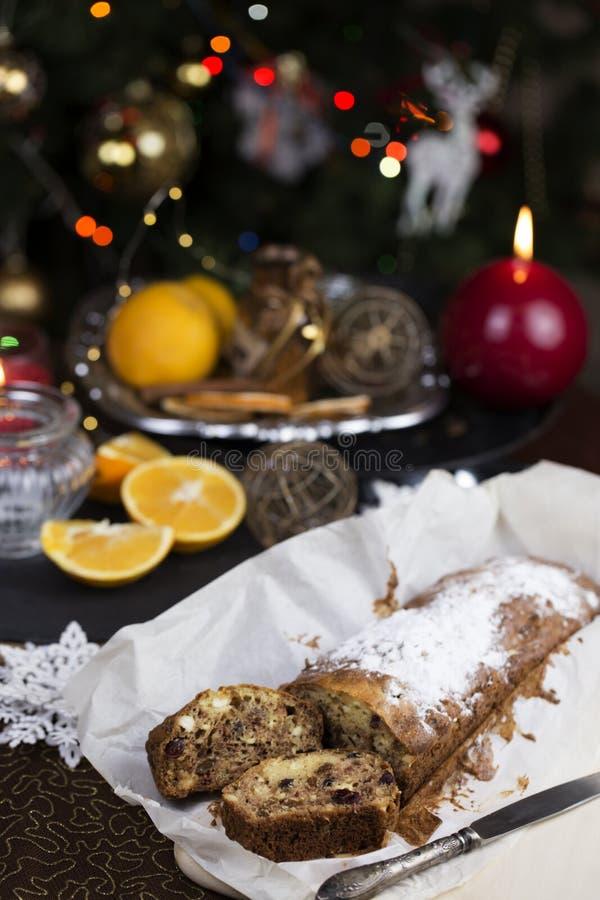Concetto di Natale Dolce casalingo di natale con la decorazione di natale immagini stock