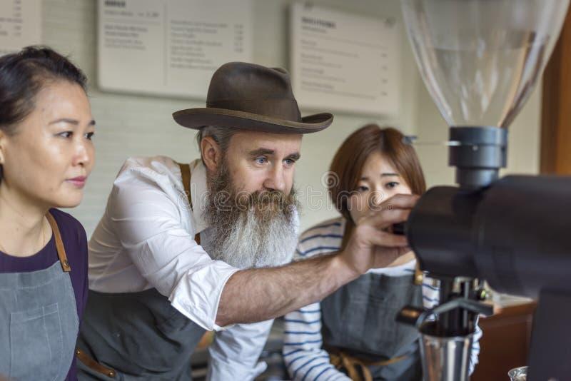 Concetto di ordine di Prepare Coffee Working di barista fotografia stock