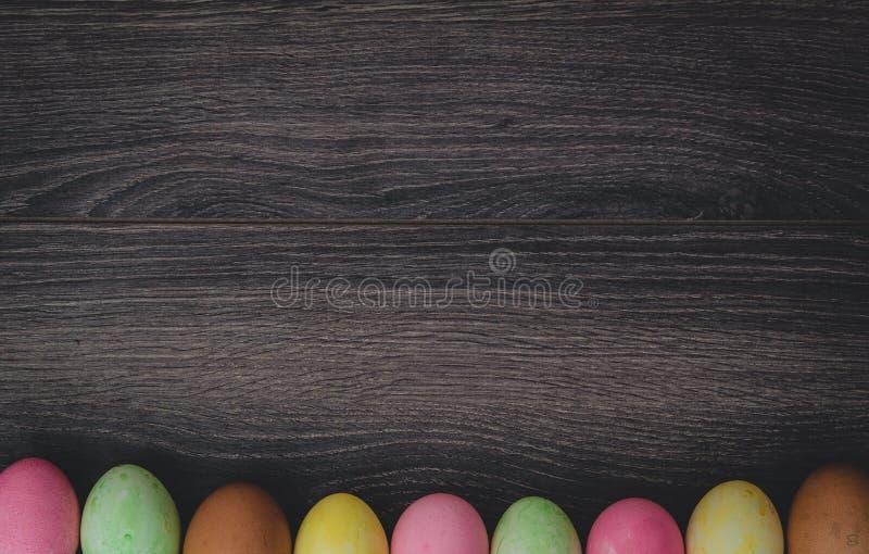 Concetto di Pasqua: uova dipinte immagini stock libere da diritti