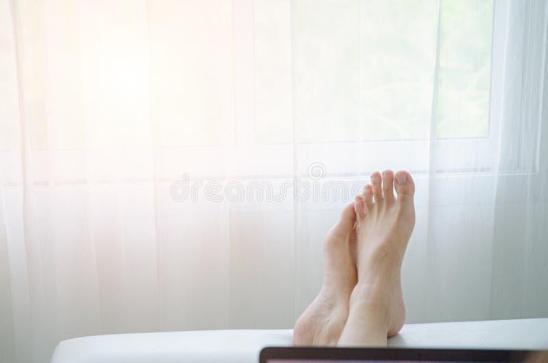 Concetto di riposo nella stanza fotografia stock