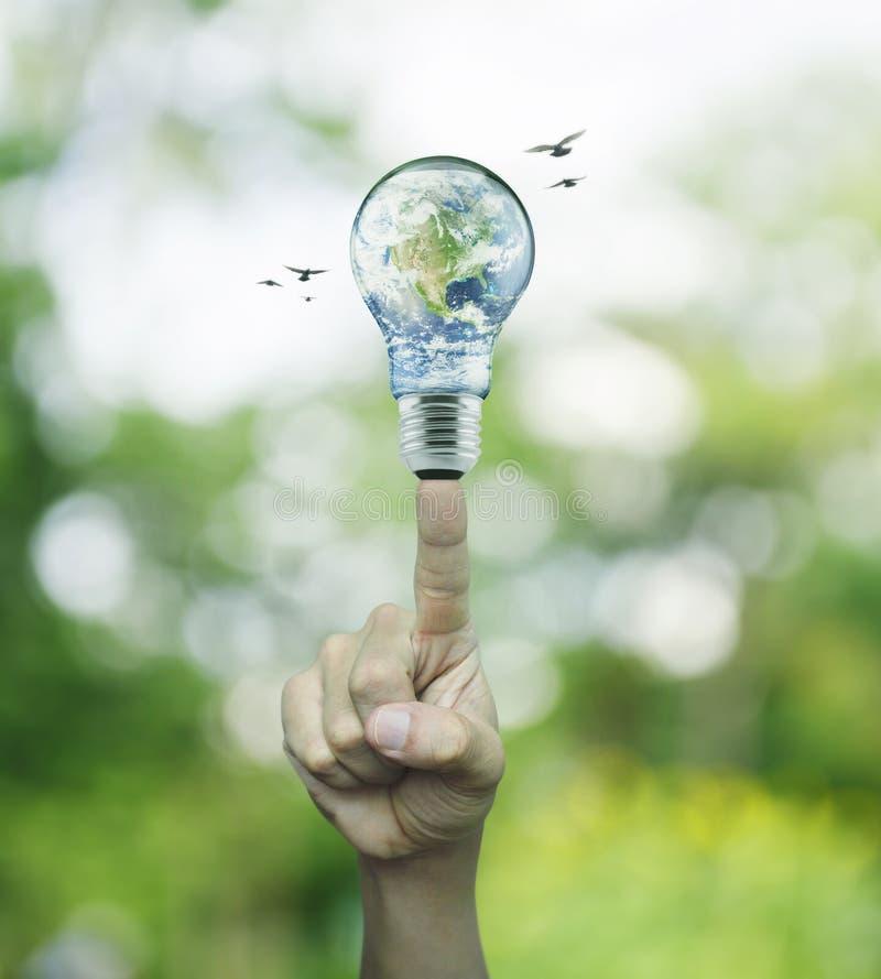 Concetto di risparmio energetico, elementi di questa immagine ammobiliati vicino fotografia stock