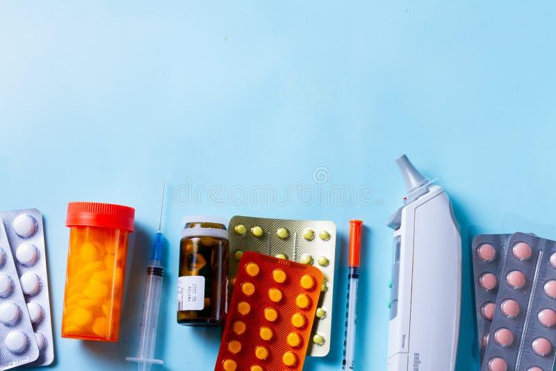 Concetto di sanità sul blu immagini stock libere da diritti