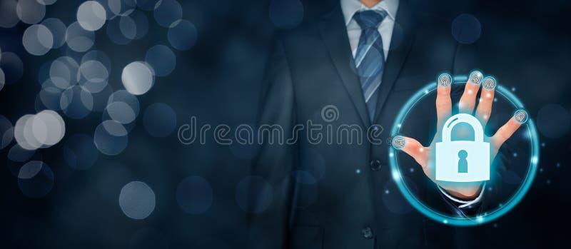 Concetto di sicurezza con l'identificazione e il authe di tocco dell'impronta digitale immagine stock libera da diritti