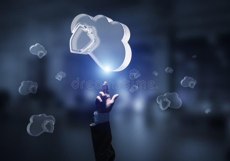 Concetto di sicurezza di Internet e del computer presentato dalla nuvola dell'icona Media misti immagini stock libere da diritti
