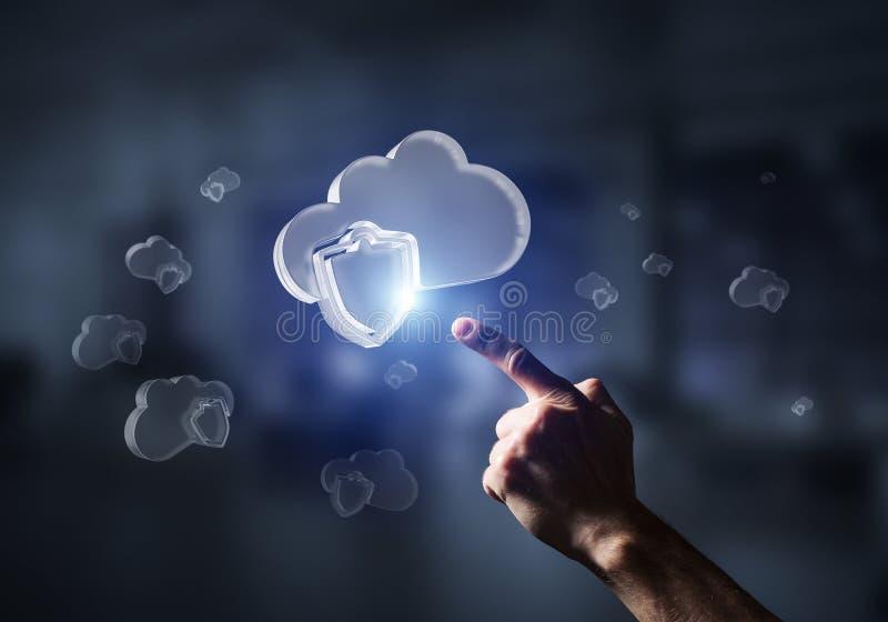 Concetto di sicurezza di Internet e del computer presentato dalla nuvola dell'icona Media misti fotografie stock