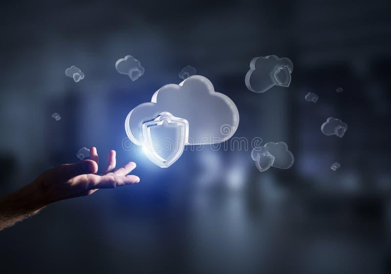 Concetto di sicurezza di Internet e del computer presentato dalla nuvola dell'icona Media misti immagini stock