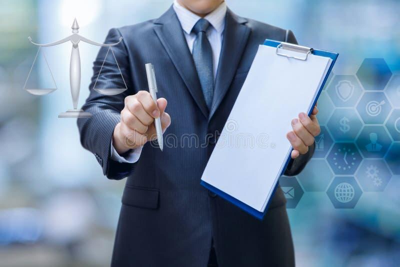 Concetto di supporto legale nella firma dei contratti fotografia stock