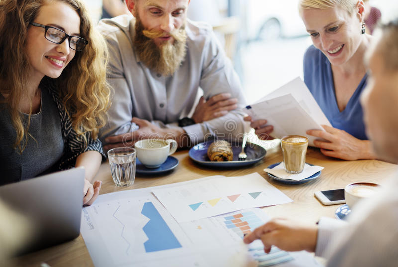 Concetto di Team Meeting Strategy Marketing Cafe di affari immagini stock libere da diritti
