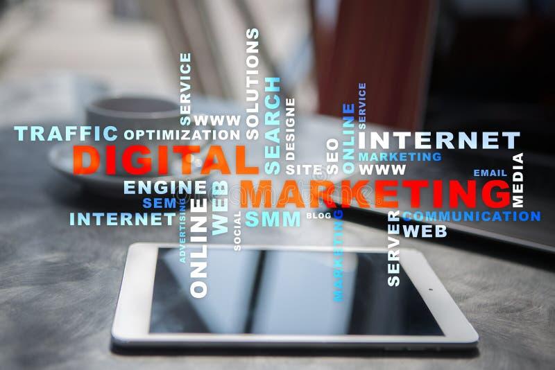 Concetto di tecnologia di vendita di Digital Internet Online Ottimizzazione del motore di ricerca Seo SMM pubblicità Nuvola di pa fotografia stock libera da diritti