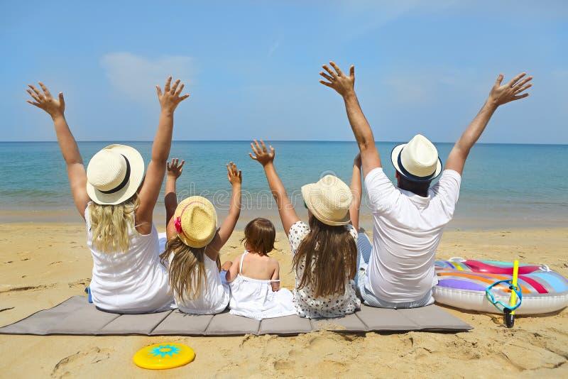 Concetto di vacanza di famiglia e di viaggio fotografia stock libera da diritti