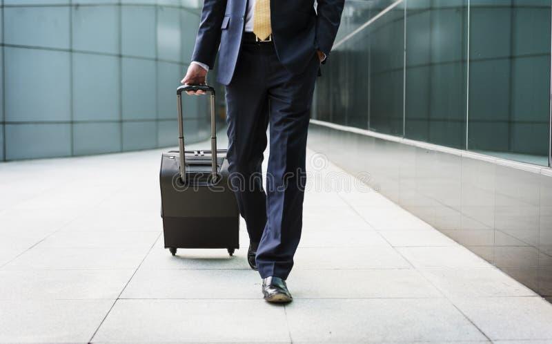 Concetto di viaggio di Traveler Journey Business dell'uomo d'affari fotografie stock libere da diritti