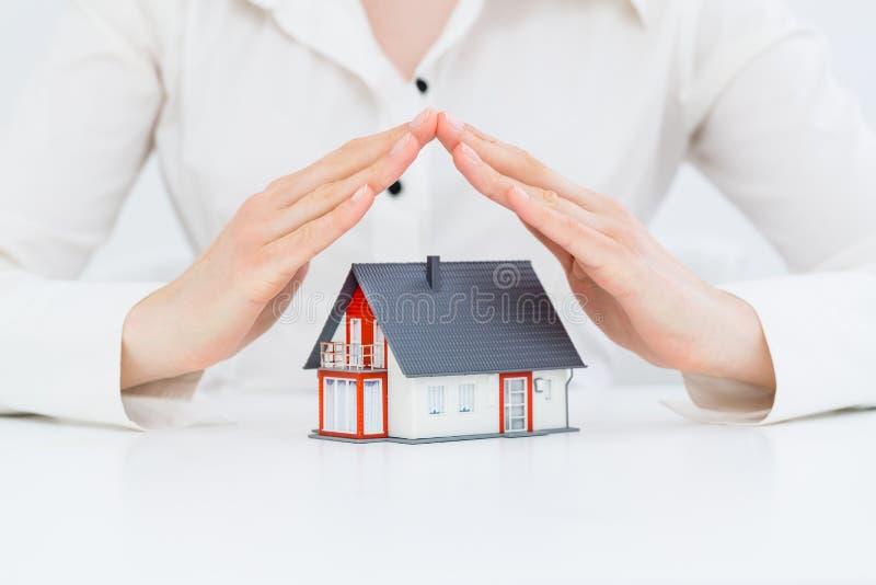 Concetto domestico di protezione di assicurazione immagini stock libere da diritti