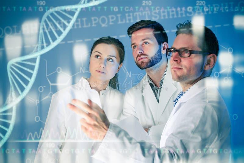 Concetto genetico del DNA isolato su priorità bassa bianca immagine stock
