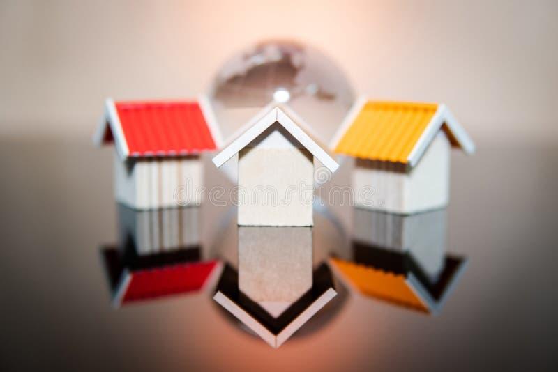 Concetto globale di investimento della proprietà o del bene immobile immagine stock libera da diritti