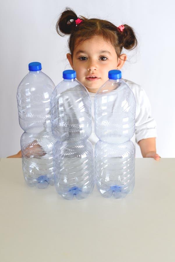 Concetto libero e di risparmio di plastica del pianeta Immagine concettuale per l'anti campagna di plastica immagine stock
