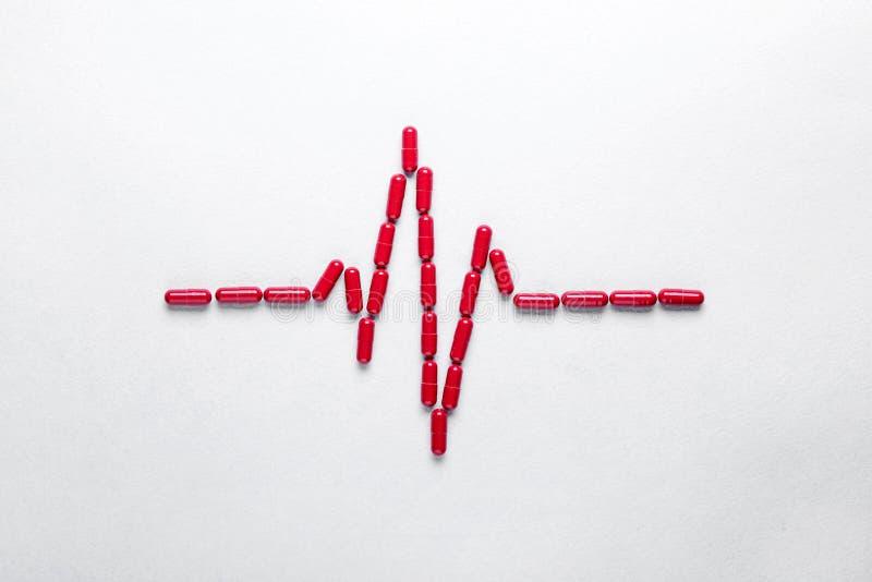 Concetto medico di sanità, droghe mediche per cardiologia e trattamento del cuore immagini stock libere da diritti