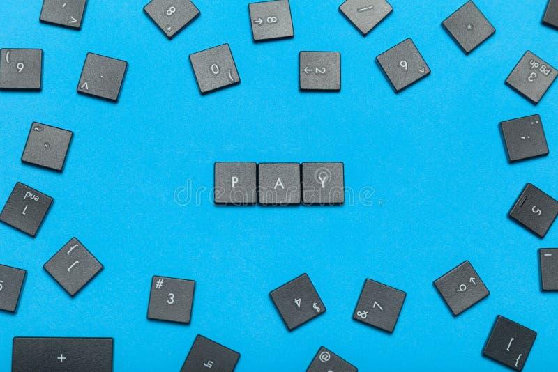 Concetto online di paga di Internet Vecchia tastiera fotografia stock