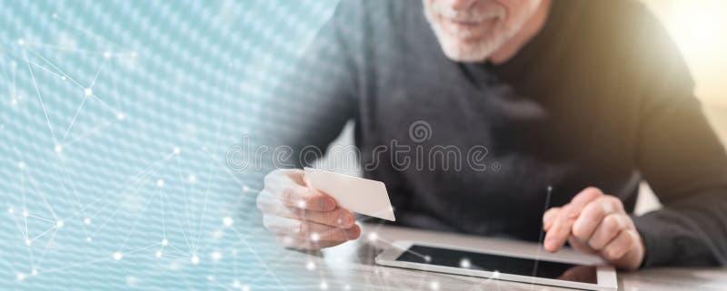 Concetto online di pagamento; esposizione multipla immagini stock libere da diritti