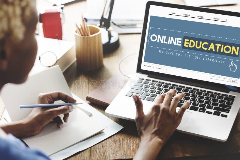 Concetto online di tecnologia di e-learning del homepage di istruzione fotografie stock