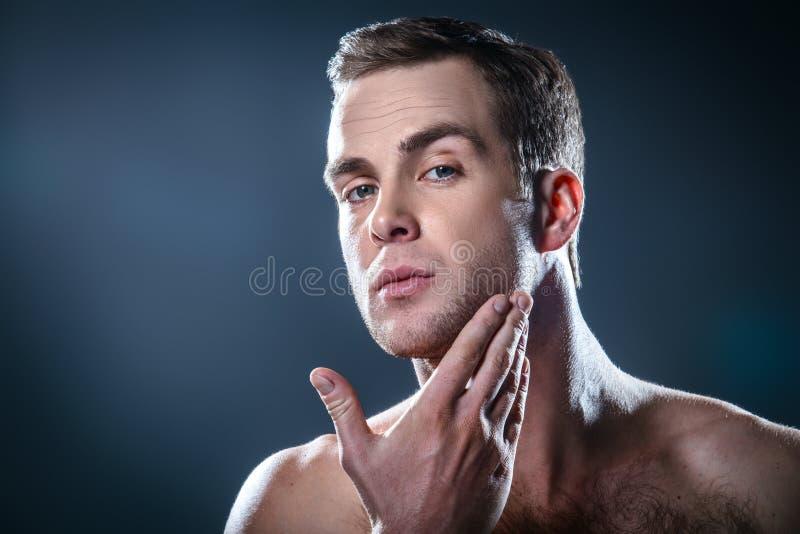Concetto piacevole per bellezza maschio fotografia stock