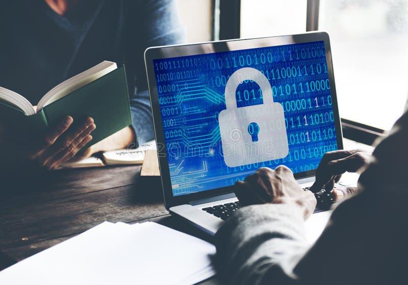 Concetto privato di risparmi della serratura di Inofrmation di protezione dei dati di sicurezza fotografie stock libere da diritti