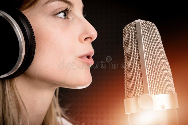 Concetto radiofonico della registrazione vocale fotografia stock