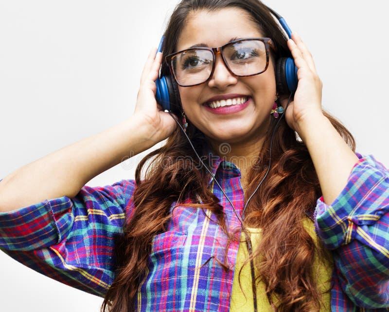 Concetto sorridente del ritratto della ragazza teenager indiana fotografia stock