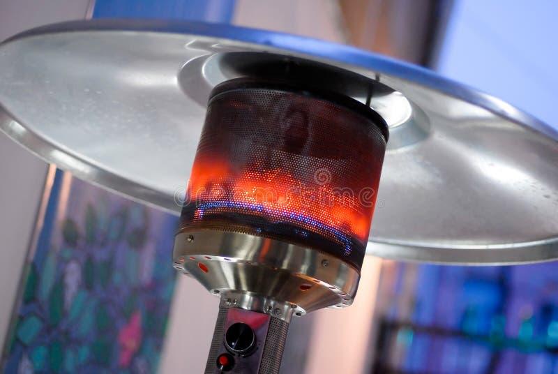 Concevez l'appareil de chauffage d'intérieur brûlant métal-gaz de patio d'acier inoxydable photos libres de droits