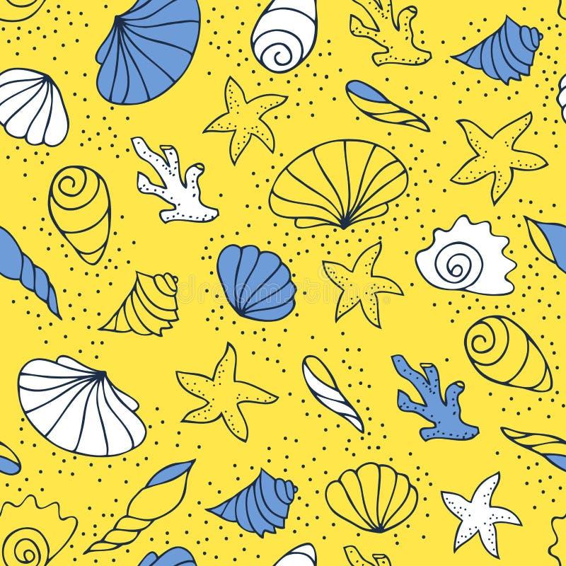 Conchas marinas en la arena fotografía de archivo libre de regalías