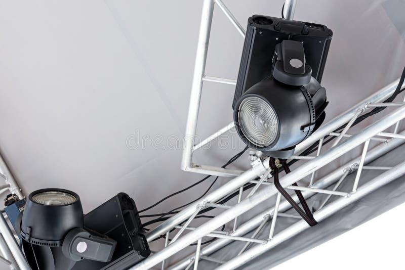 Concierte las luces del punto en etapa al aire libre antes de funcionamiento de la música imagen de archivo libre de regalías