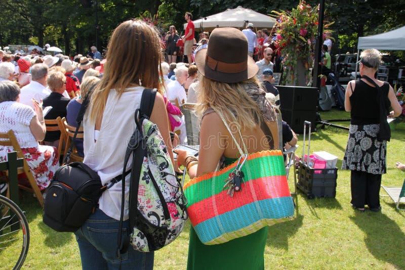 Concierto de la música en directo en el parque en la ciudad Rotterdam en el verano imágenes de archivo libres de regalías